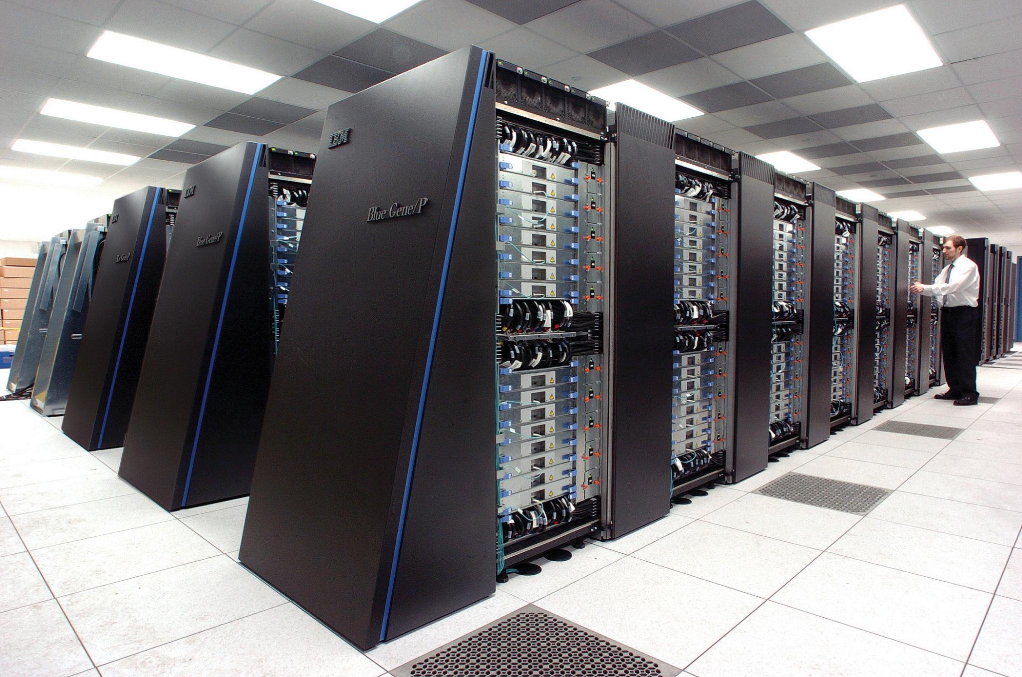 Спинтронный компьютер - еще один кандидат на роль компьютера будущего.
