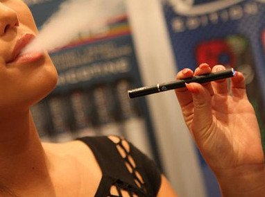 Electronic cigarettes effects on others