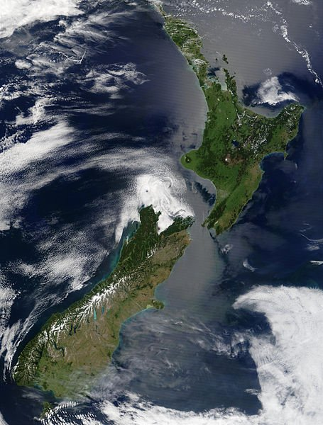 455px-Satellite_image_of_New_Zealand_in_December_2002
