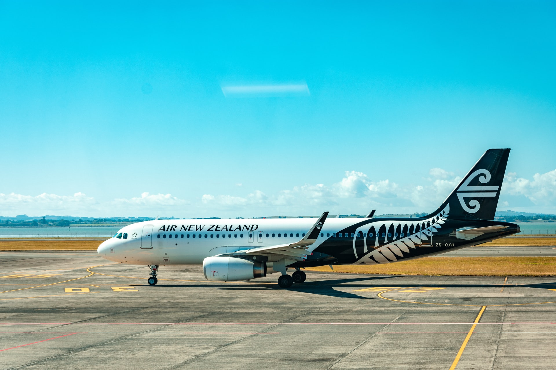Mandatory masking on flights and Auckland's public transport – Expert Reaction